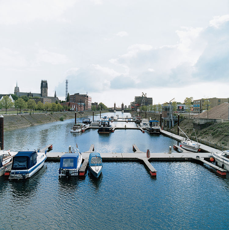 """We addressed the need to reconnect the inner city with the water's edge,"" says Foster. Accordingly, the Steiger Schwanentor jetty was the first project completed. The pontoon-and-ram system provides mooring facilities for sightseeing boats."