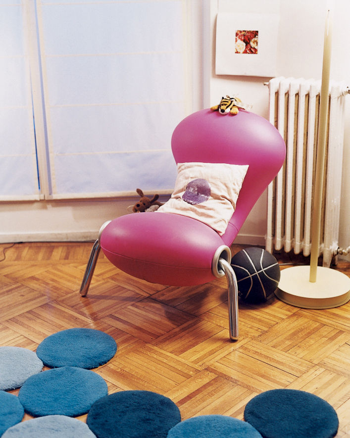 The Marc Newson Embryo chair dates from 1988.