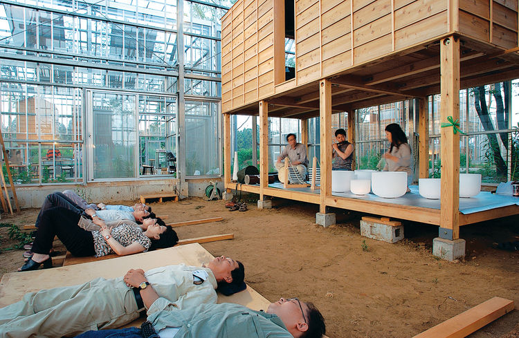Far from the noise of Tokyo, it's easy to see how these houses serve as meditation and relaxation places.