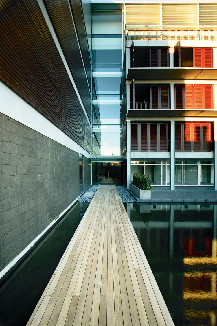 trinity apartments, apartment building, aukland, new zealand