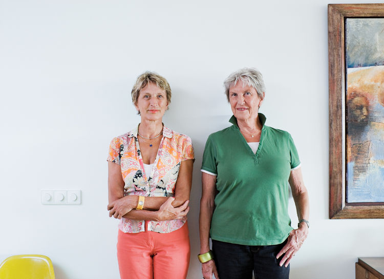 Paula van Dijk (left) poses with her sister, Vera.