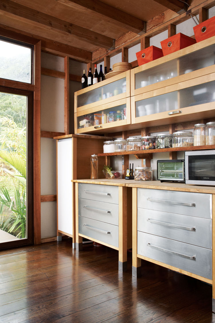 See-through kitchen wall shelves