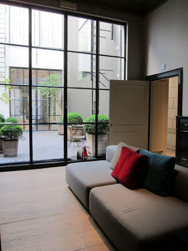 Hotel Julien lounge area in Antwerp, Belgium