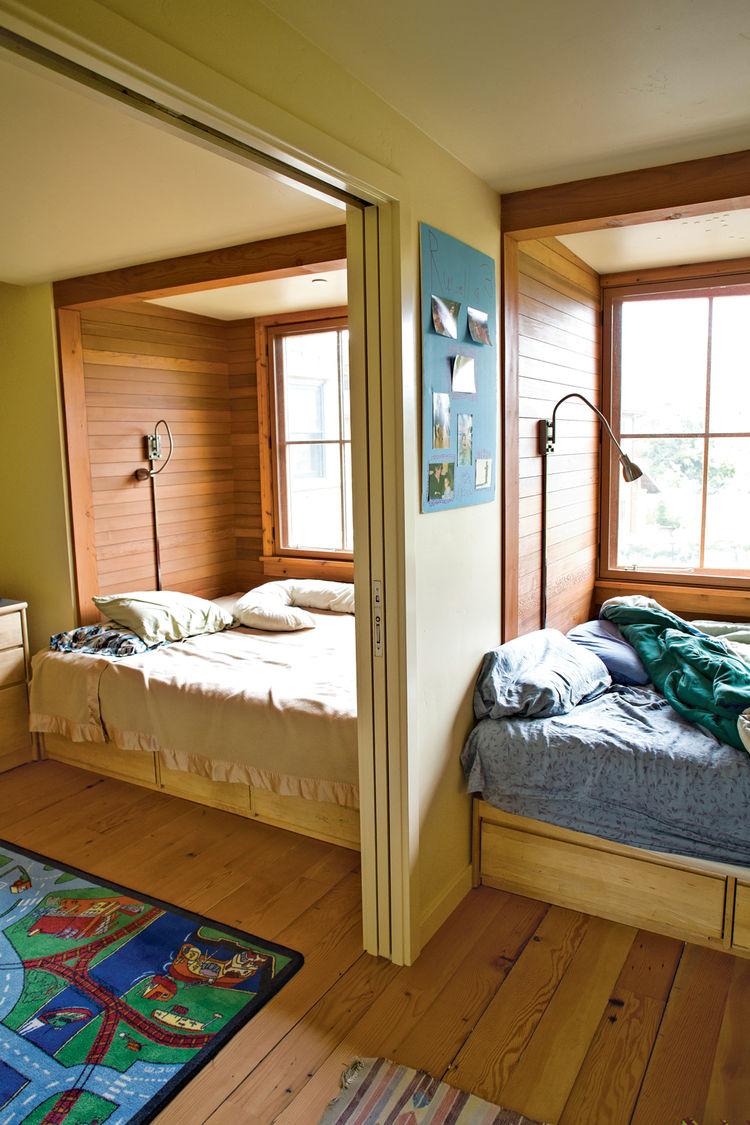 Modern kids joint bedroom with room divider