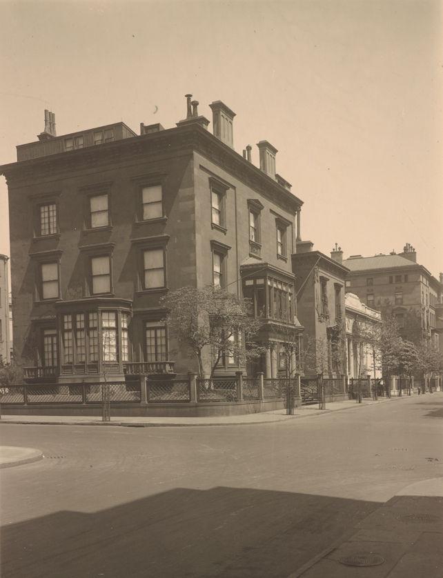 Exterior of 219 Madison Avenue