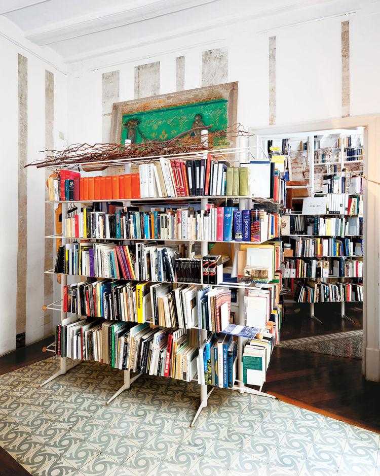 Freestanding bookshelves by Miralles