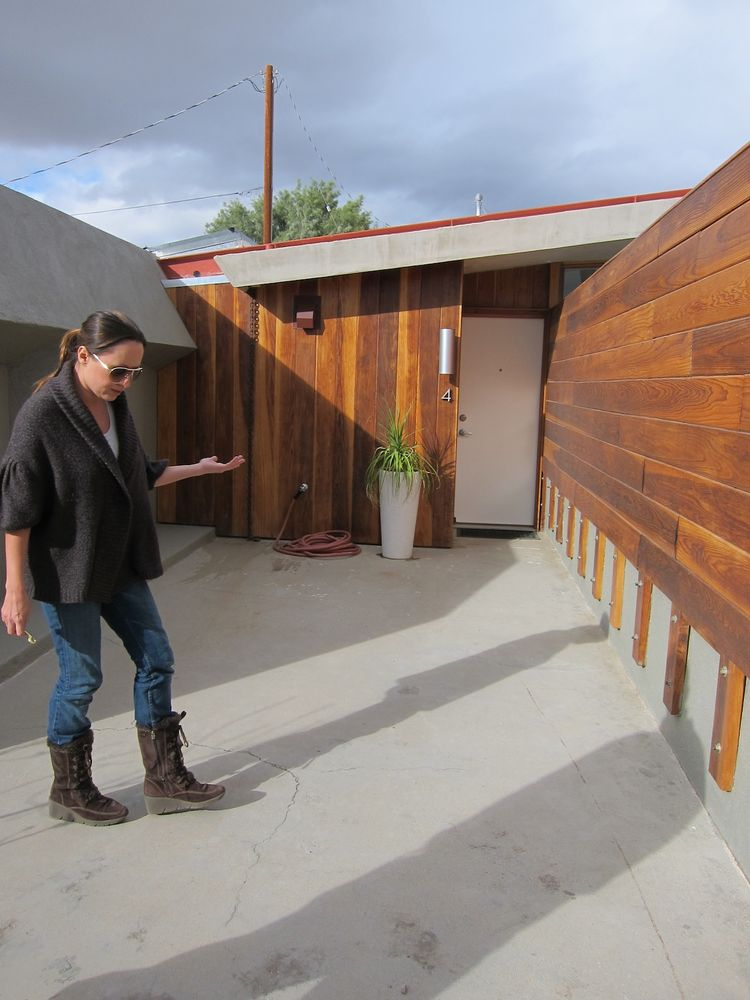 Hotel Lautner private entrance with redwood fence