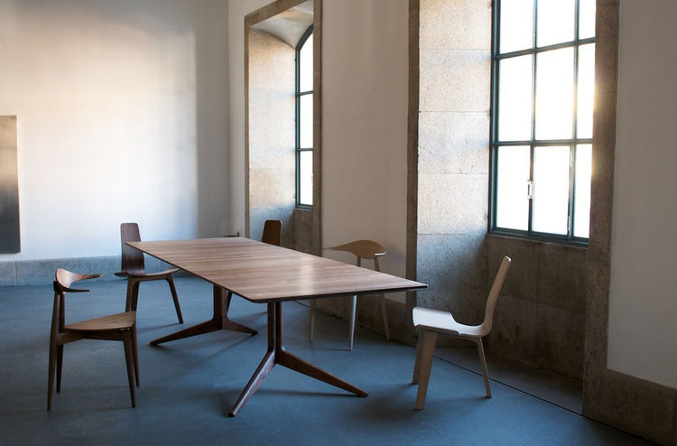Light Extending Table by Matthew Hilton for De La Espada