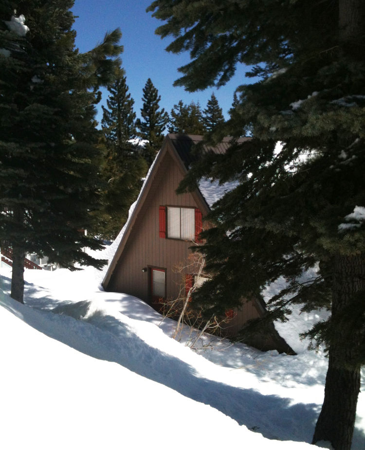 A-frame cabin in Bear Valley