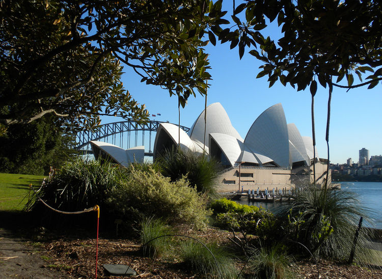 Sydney Opera House by Jørn Utzon