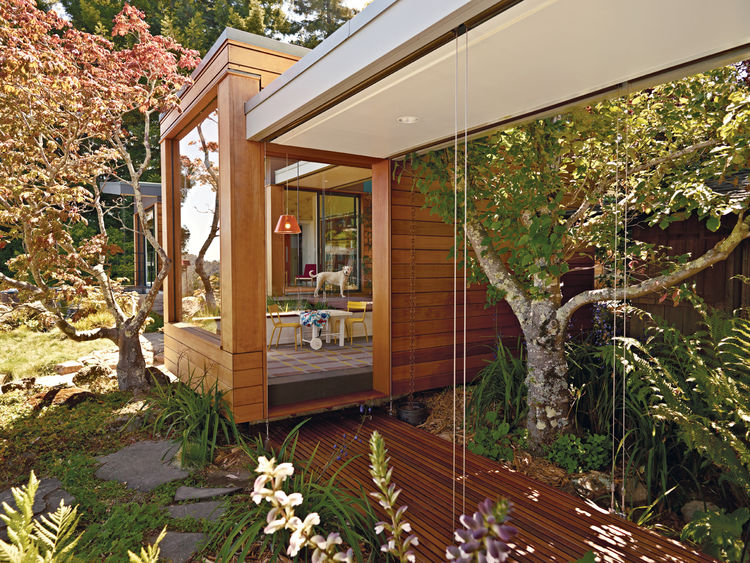 Open-air tearoom designed by Joseph Esherick