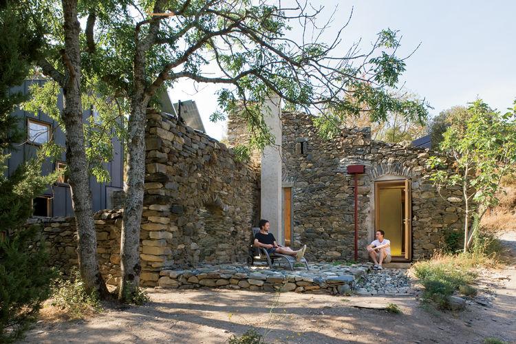 Modern cabin renovation in France