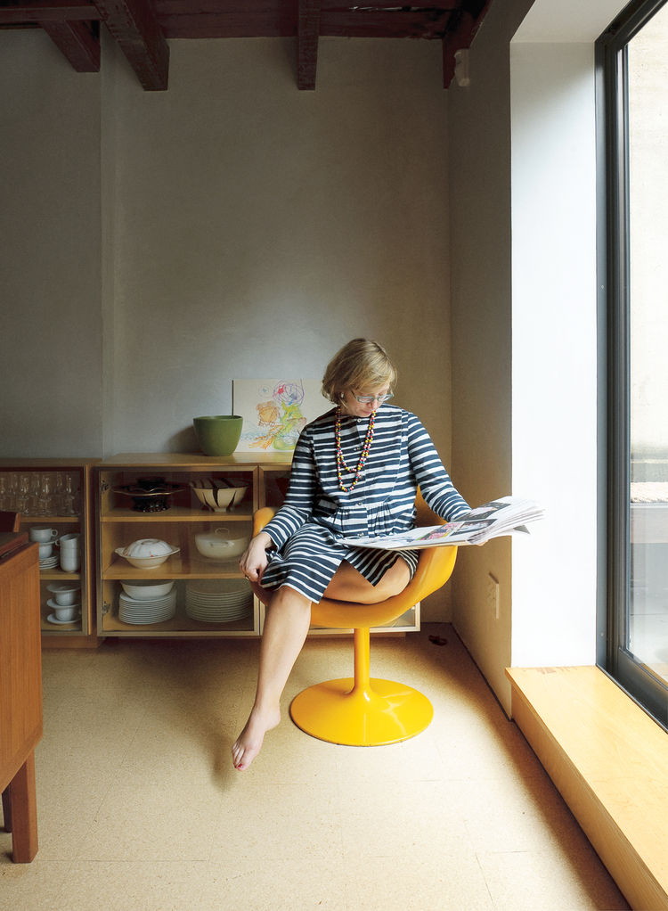 Alexandra Lange sitting in vintage Pierre Paulin Little Tulip chair for Artifort