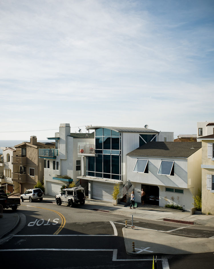 Jacobson's home sits at a T-intersection just a handful of houses up from the beach and strand, a 22-mile long concrete strip that runs from Torrance to Pacific Palisades.