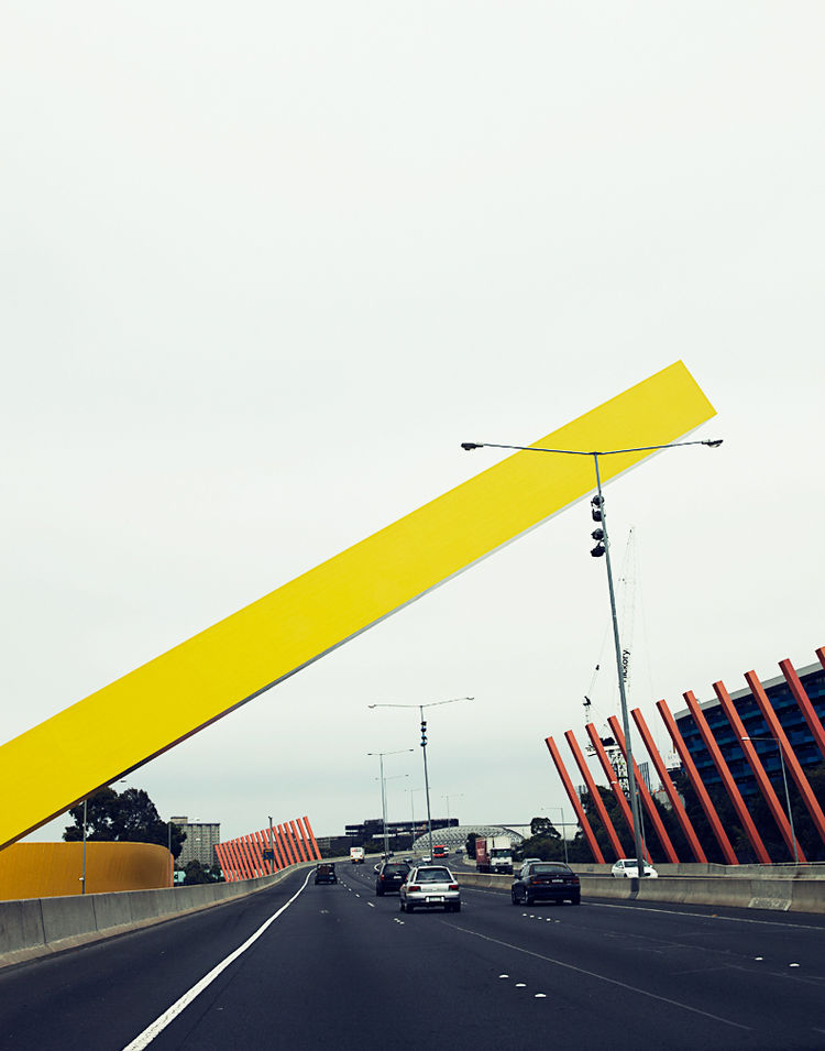 Sculpture by Denton Corker Marshall at the Citylink Freeway