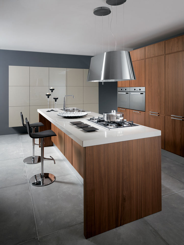 "The floor-to-ceiling storage and simple finishes in <a href=""http://www.scavolini.us/cucine.asp?gr_id=43&fa_id=47&cu_id=58&lang=EN"">Scavolini's Reflex kitchen</a> leave plenty of room for culinary art to be the primary flourish within the spare space. For"