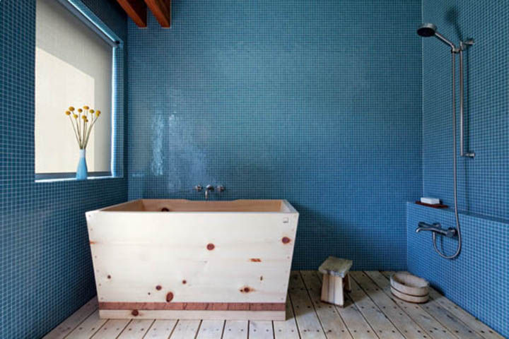 Wood tub by Bartok Design
