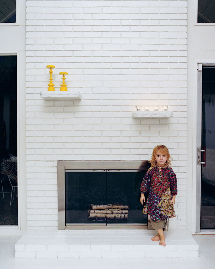 Moa and the fireplace