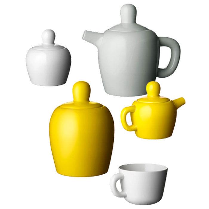 Bulky teapot family.