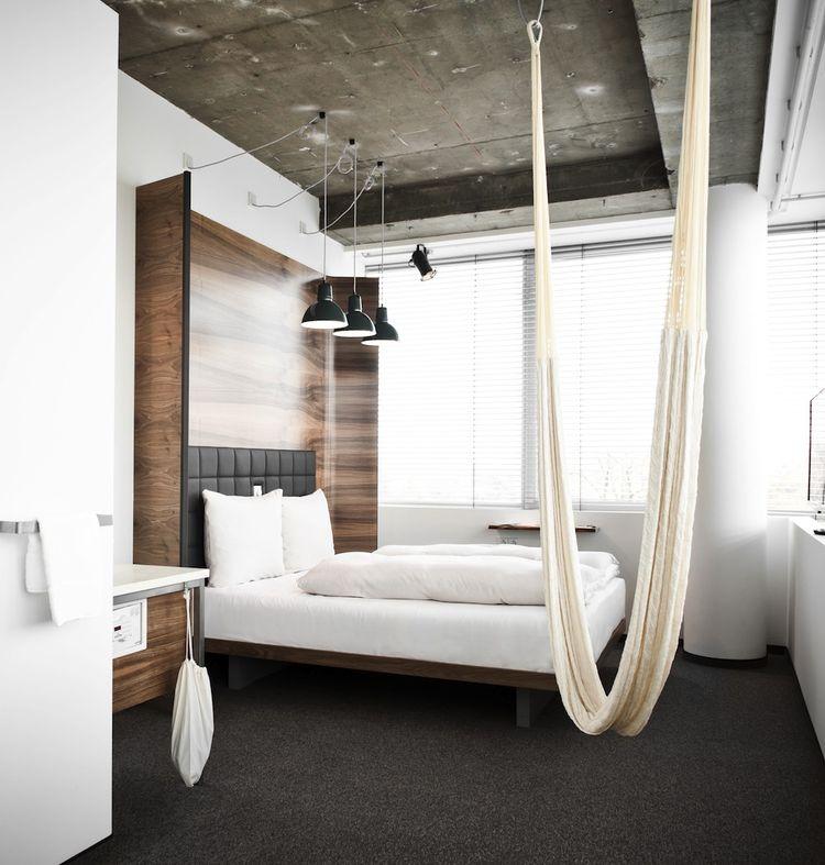 hotel room daniel vienna hammock