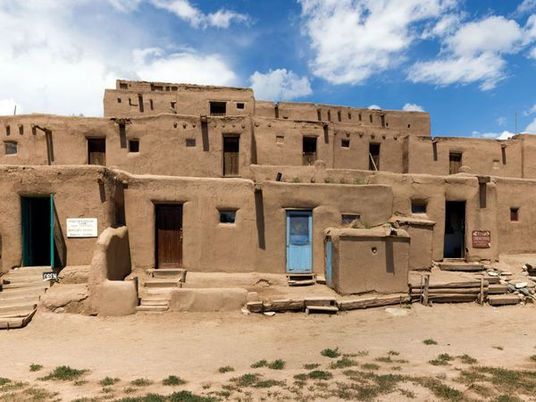 traditional adobe homes New Mexico
