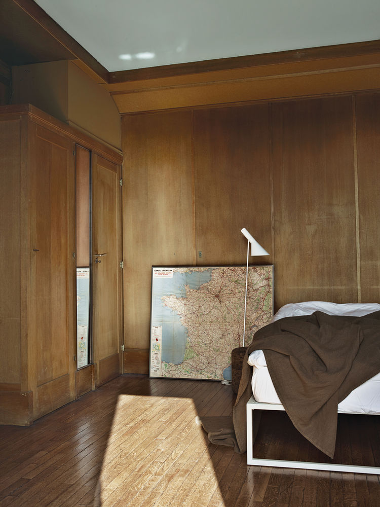 Modern wooden Parisian bedroom