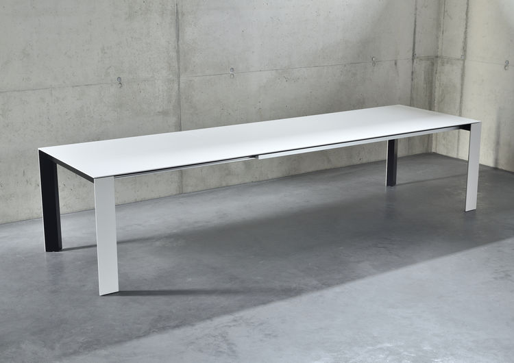 SOMA Kettnaker table