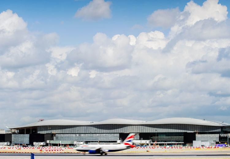 Heathrow Airport Terminal 2, Luis Vidal + Architects