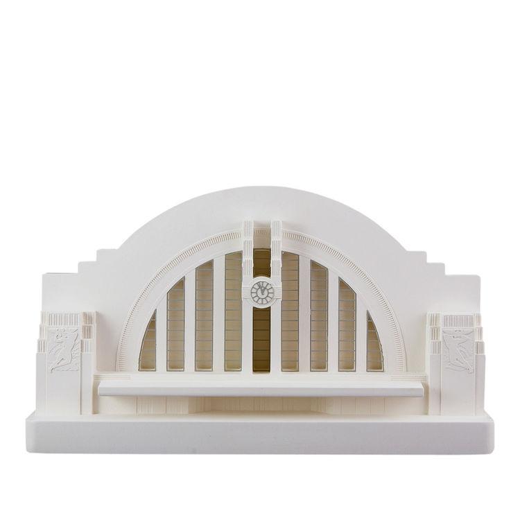 Cincinnati Union Terminal architectural sculpture white