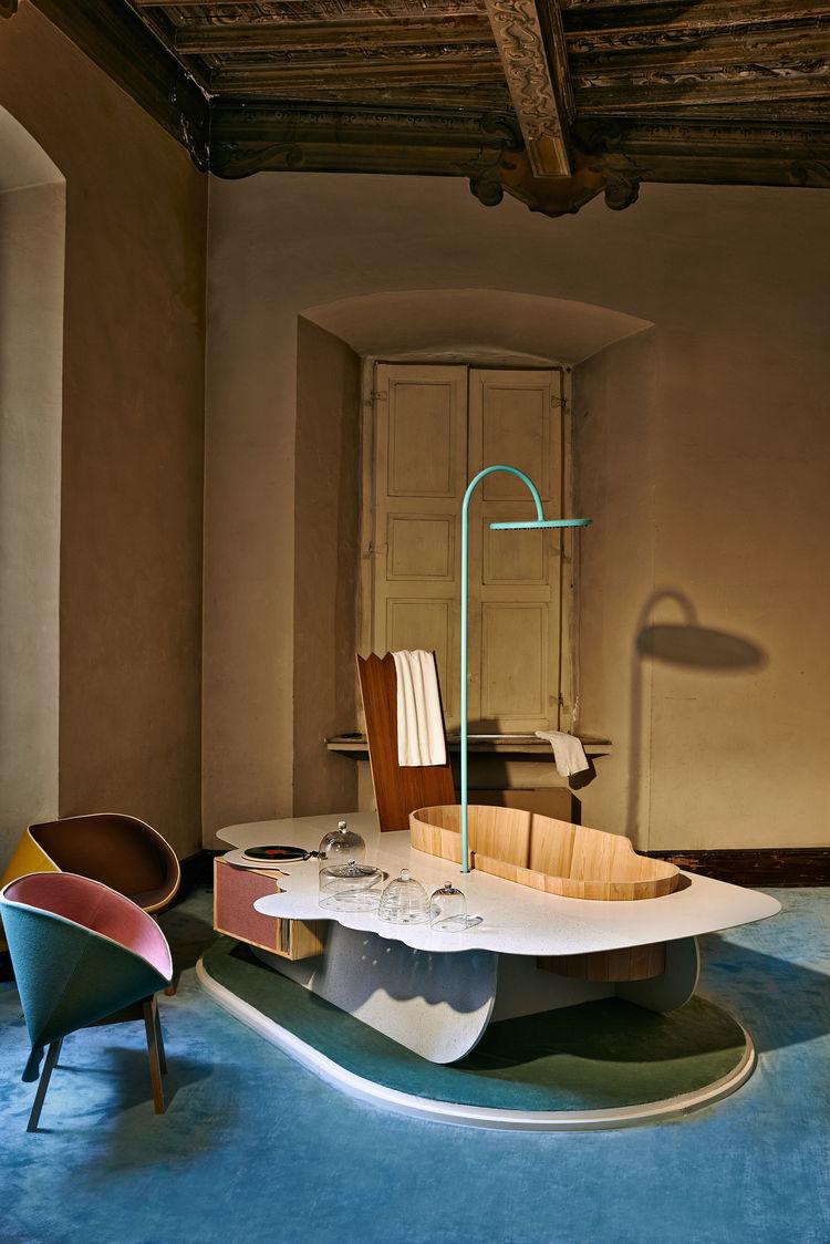 Caesarstone Milan Raw Edges Islands showerhead tub