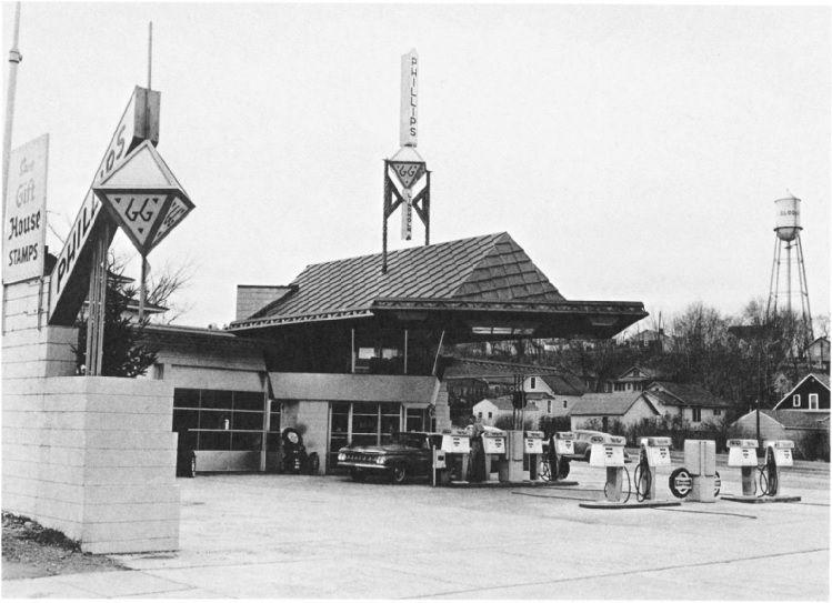 Frank Lloyd Wright's gas station in Cloquet, Minnesota
