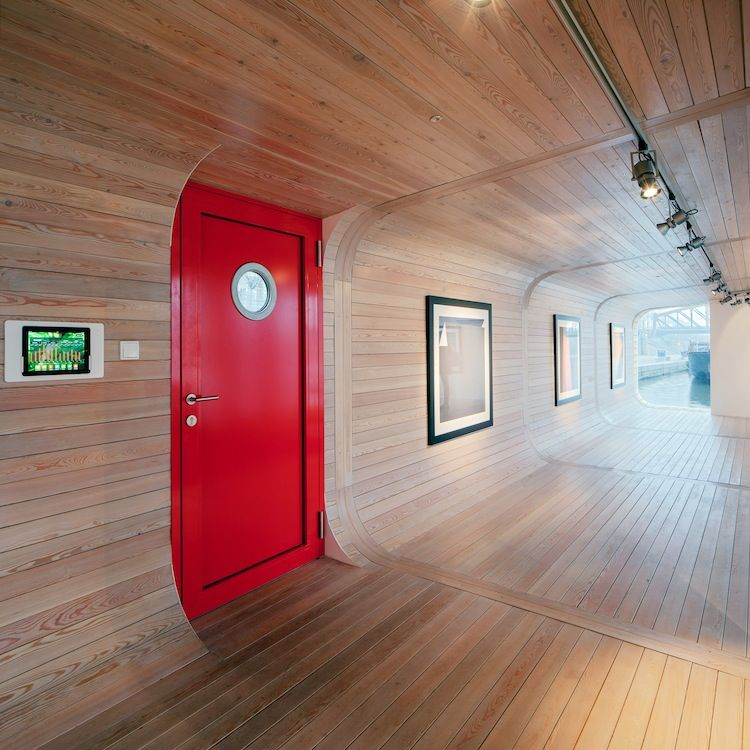 Port X Laminate Interior with red door