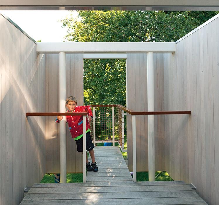 Freestanding treehouse in Garrison, New York