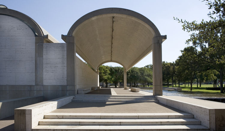 Curved arches of the Kimbell Art Museum