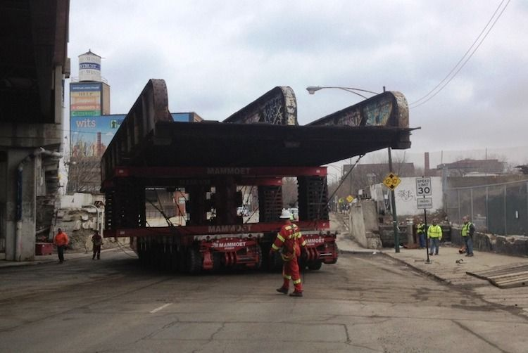 Bridge infrastructure reused for construction of 606 elevated park in Chicago