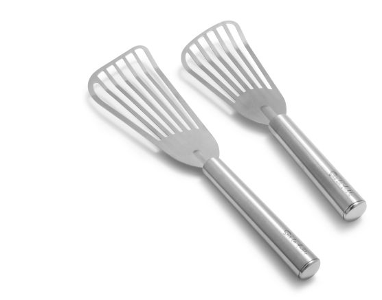 Thin metal spatula for cooking fish