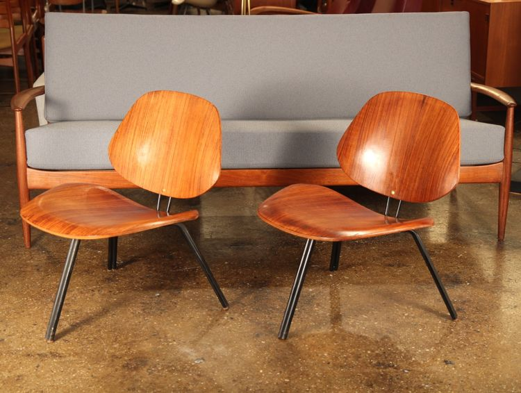 Pair of Osvaldo Borsani P31 molded plywood chairs