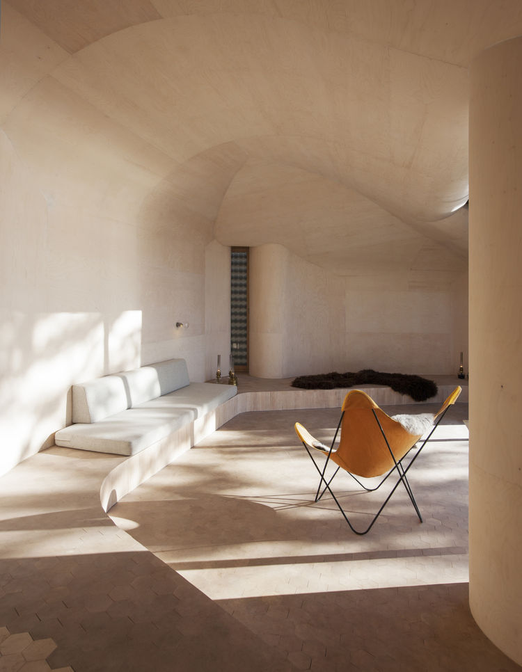 Norwegian cabin interior with undulating curves