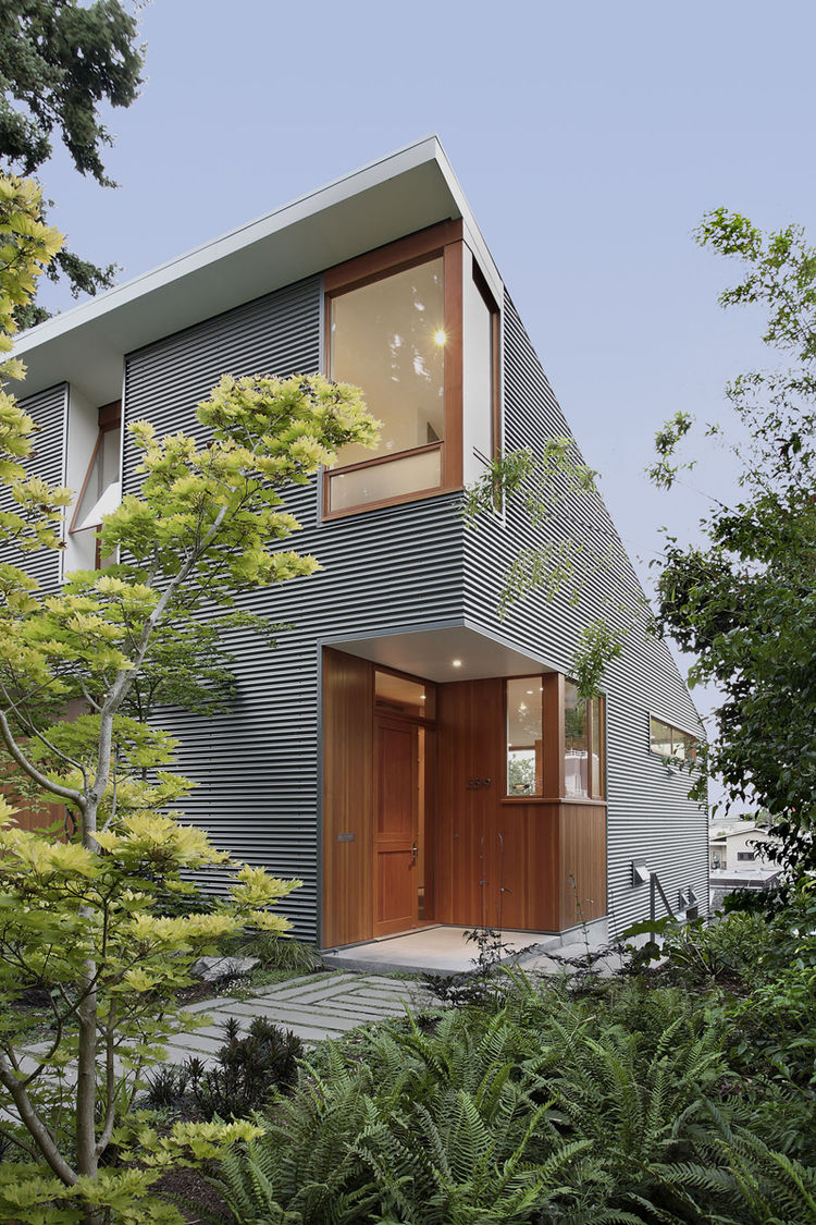Seattle green home with energy efficient measures
