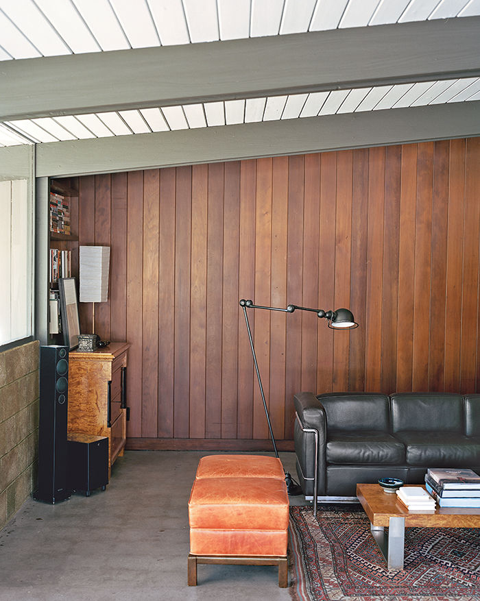 Crestwood Renovation livingroom with redwood panelling.