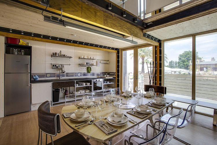 Maison Reciprocity dining room.