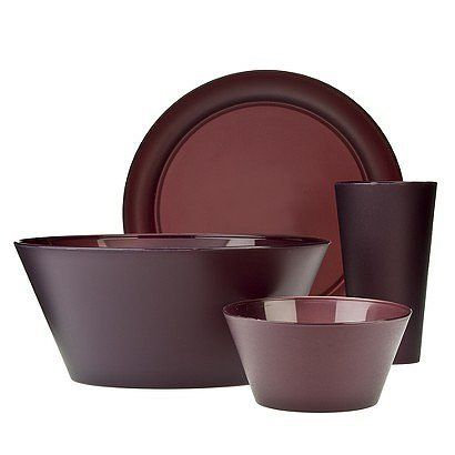 Polypropylene dining set in burgundy marsala