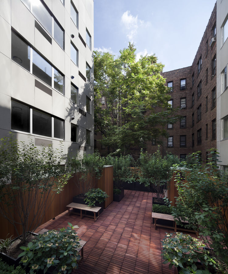 The Stack modular apartment building in Manhattan with outdoor space