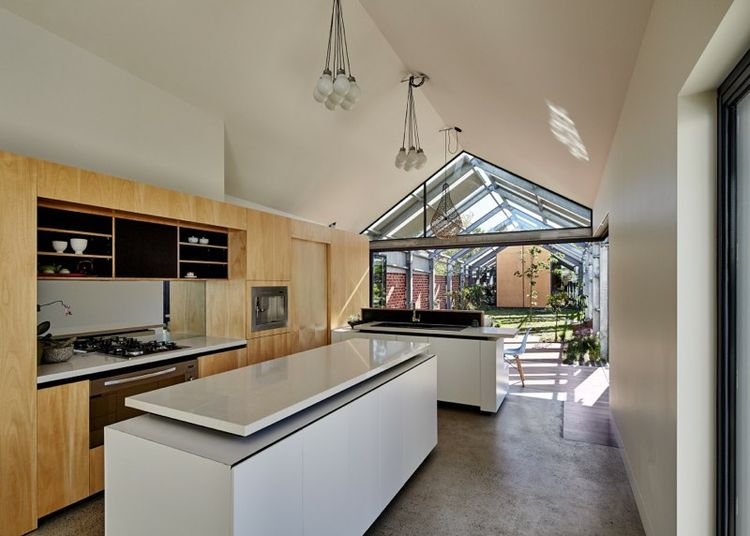 Cut Paw Paw house kitchen in Australia