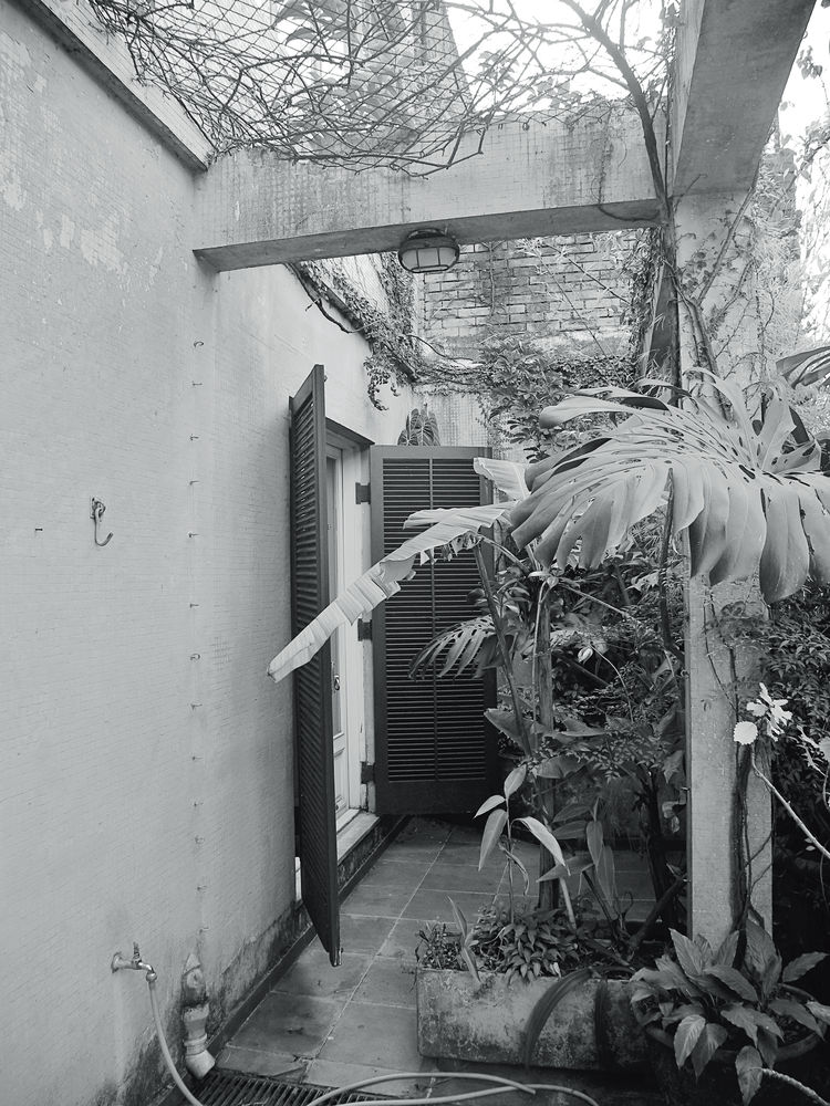 São Paulo apartment outdoor terrace before renovation