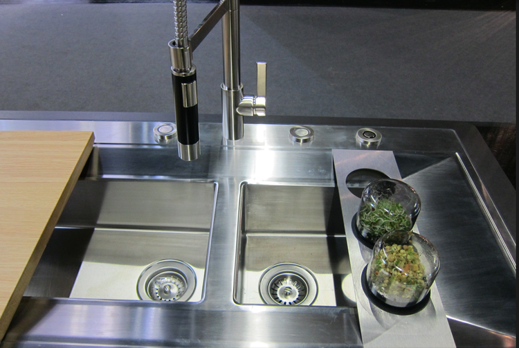 Vooking Concept Kitchen Double Sink and Sprout Bridge
