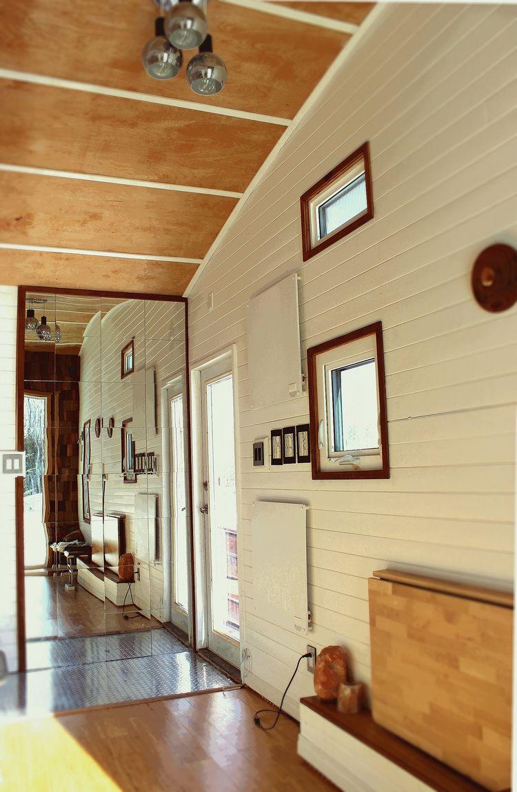 Leaf House trailer