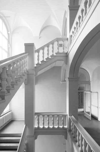 New Bocci showroom in a historic Berlin courthouse