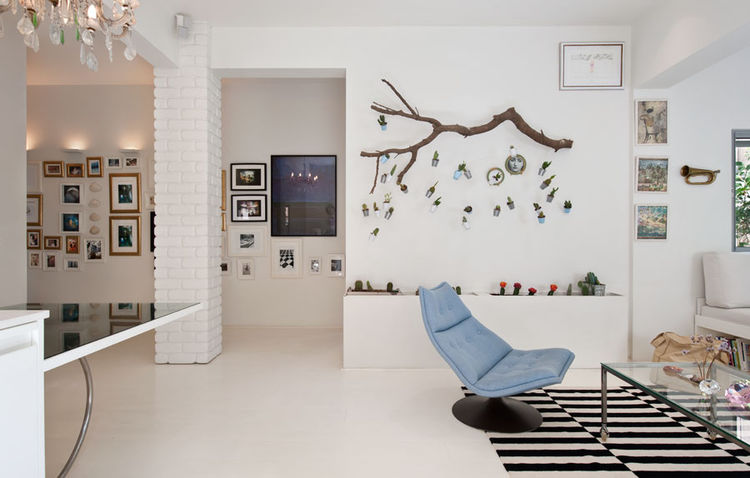 Tel Aviv living room with hanging cactus wall