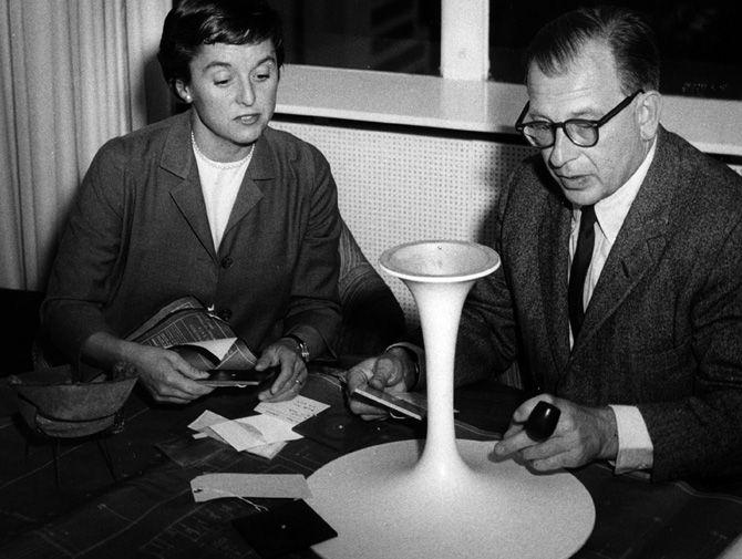 Eero Saarinen working on the Tulip chair base